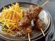Brochettes de poulet yakitori au caramel de sésame
