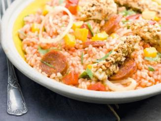 riz façon jambalaya au poulet-cacahuètes