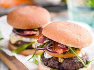 burger-boeuf-lard-fume-sauce-tartare